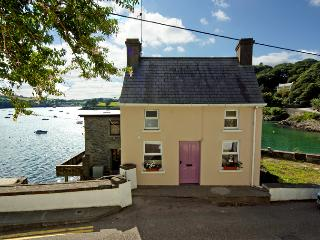2 bedroom Cottage with Central Heating in Glandore - Glandore vacation rentals