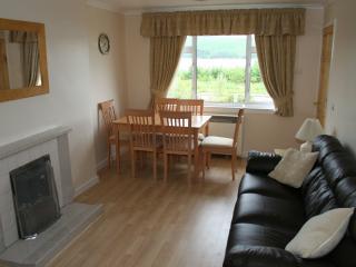 Cozy 3 bedroom Inveraray Cottage with Internet Access - Inveraray vacation rentals
