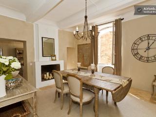 Beautiful 3 bedroom Rustrel Townhouse with Internet Access - Rustrel vacation rentals