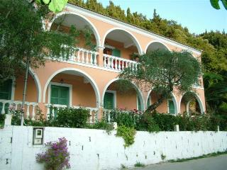 Cozy 2 bedroom Vitoulades Apartment with Internet Access - Vitoulades vacation rentals