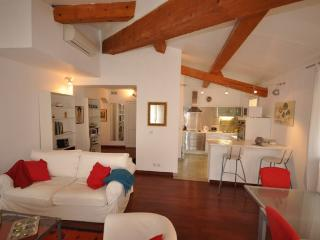 Apartment Thiers, Quiet Cours Mirabeau Vacation Re - Aix-en-Provence vacation rentals