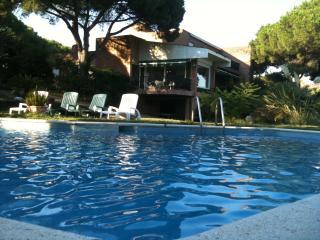 4 bedroom Villa with Internet Access in Sant Andreu de Llavaneres - Sant Andreu de Llavaneres vacation rentals