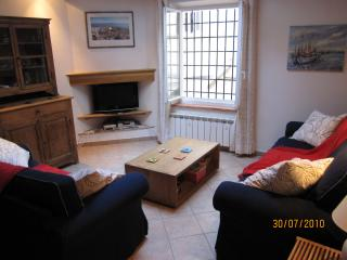 Charming house in old Antibes with parking - Antibes vacation rentals
