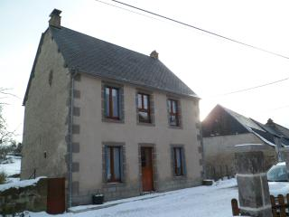 Nice Gite with Television and Microwave - Murol vacation rentals