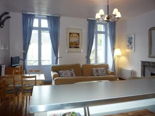 Bright 1 bedroom Condo in Bagneres-de-Luchon - Bagneres-de-Luchon vacation rentals