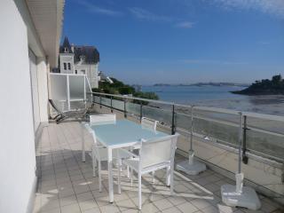 Crystal  3 pièces terrasse sur mer - 402 - Dinard vacation rentals