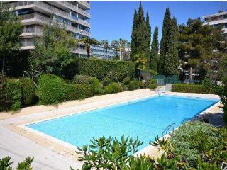 Cannes 1 bedroom sea view terrasse and pool - Cannes vacation rentals