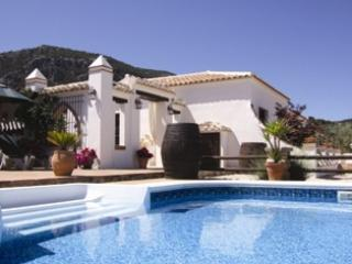 3 bedroom Cottage with Internet Access in Villanueva del Trabuco - Villanueva del Trabuco vacation rentals