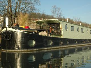 4 bedroom Houseboat with Internet Access in Meudon - Meudon vacation rentals