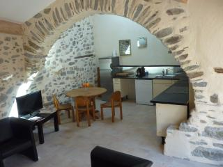 Cozy 3 bedroom Townhouse in Saint-Chinian - Saint-Chinian vacation rentals