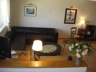 Cozy House with Dishwasher and Kettle in Saint-Jean-du-Doigt - Saint-Jean-du-Doigt vacation rentals