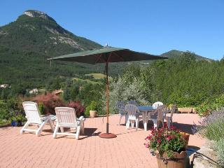 Cozy 2 bedroom Orpierre Villa with Internet Access - Orpierre vacation rentals
