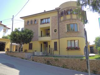 Nice 2 bedroom Condo in Cartoceto - Cartoceto vacation rentals