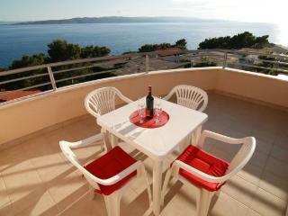 Apartments Ulix Brela (4+2) - Brela vacation rentals