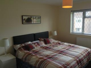 Comfortable 3 bedroom House in Wolverhampton - Wolverhampton vacation rentals