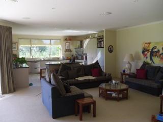 Greenlea- Spacious Luxury Apar - Karikari Peninsula vacation rentals