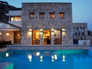 Lovely 3 bedroom Pefkos Villa with Internet Access - Pefkos vacation rentals