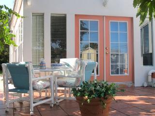 Esperia - Mediterranean Style Guest Apartment - Tarpon Springs vacation rentals