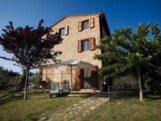 2 bedroom Condo with Central Heating in Castelnuovo Berardenga - Castelnuovo Berardenga vacation rentals