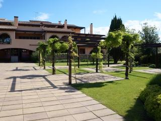 Costabravaforrent Segalar 10, up to 4, shared pool - Albons vacation rentals