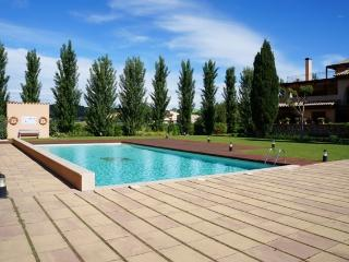 Costabravaforrent Montgri 3, up to 6, shared pool - Albons vacation rentals