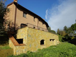 2 bedroom House with Internet Access in San Miniato - San Miniato vacation rentals