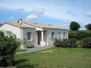 Beautiful 3 bedroom La Caillere Gite with Tennis Court - La Caillere vacation rentals