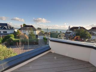 6 Sandbourne - Four bedroom, town house with partial sea views in Alum Chine - Bournemouth vacation rentals