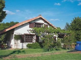 Cozy 2 bedroom Cottage in Civray - Civray vacation rentals