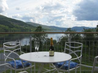 2 bedroom Lodge with Internet Access in Fearnan - Fearnan vacation rentals