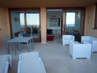 Bossa Geminis A2 - Playa d'en Bossa vacation rentals