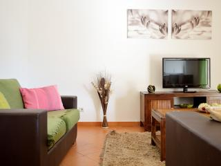 Nice Condo in Tavira with Internet Access, sleeps 6 - Tavira vacation rentals