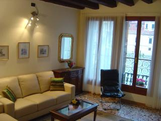Flat in the hearth of Venice! From 34€ x person - Venice vacation rentals