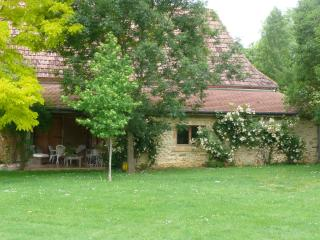 Peaceful Gite with amazing views near Pau - Arricau-Bordes vacation rentals