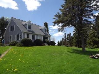 MOLLYS CAPE | SOUTHPORT ISLAND | OCEAN VIEWS | SHARED BEACH | SWIM FLOAT | PET-FRIENDLY | GREAT FOR KAYAKERS | FAMILY GETAWAY - Boothbay vacation rentals