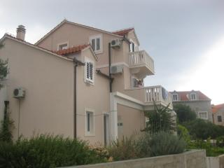 Beautiful 1 bedroom Apartment in Bol with Internet Access - Bol vacation rentals