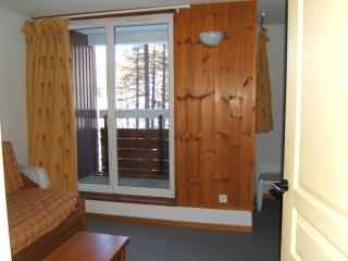 Nice Condo with Internet Access and Television - Vars vacation rentals
