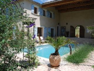 Romantic 1 bedroom Villa in Clermont L'herault - Clermont L'herault vacation rentals