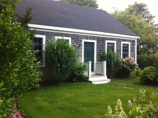 Nantucket Cottage Abuts Bird Santuary - Nantucket vacation rentals