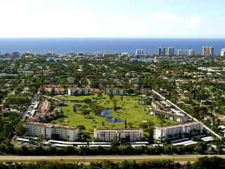 NEXT TO THE BEACH AND OLD NAPLES, FREE GOLF - Naples vacation rentals
