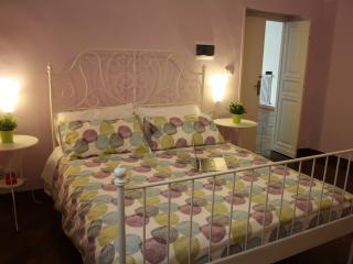 Cozy 1 bedroom Bari Villa with Central Heating - Bari vacation rentals