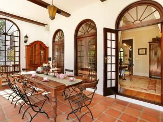 Lovely Villa in Stellenbosch with Dishwasher, sleeps 9 - Stellenbosch vacation rentals