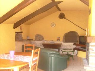 Nice Gite with Internet Access and Refrigerator - Saint-Sernin-sur-Rance vacation rentals