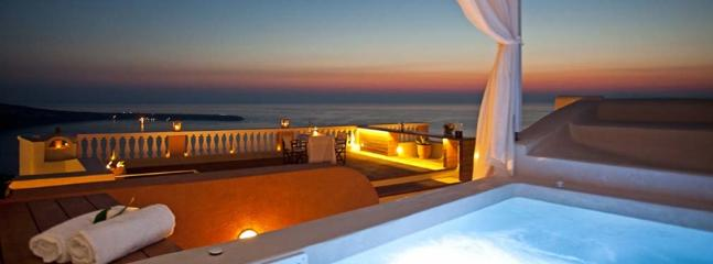 Outdoor jacuzzi - Blue Villas| Oia |High end luxury in Santorini - Oia - rentals
