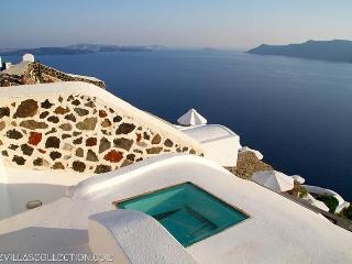 White House - a dreamy luxury villa in Santorini - Santorini vacation rentals