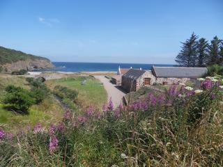 2 bedroom Cottage with Internet Access in Pennan - Pennan vacation rentals