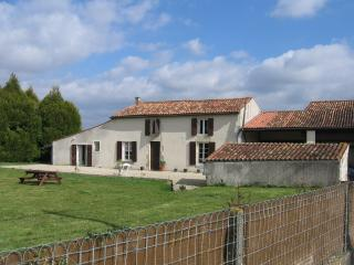 lovely restored country farmhouse with gardens - Paille vacation rentals