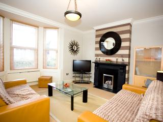1BR Garden Apt by Hove Station FREE Wifi * Sky TV - Hove vacation rentals