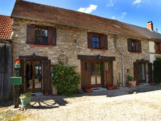 Les Gites de Montinazeau - Perfect base for Walking, Cycling or just Sitting! - Cheniers vacation rentals