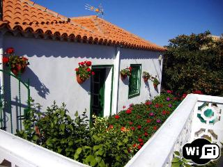 Holiday House in Vilaflor with wifi and garden - Vilaflor vacation rentals
